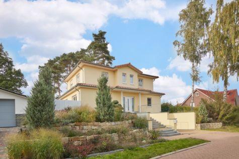 Kaufen, Einziehen, Wohlfühlen : Mediterrane Stadtvilla auf romantisch gestaltetem Anwesen, 28832 Achim, Einfamilienhaus