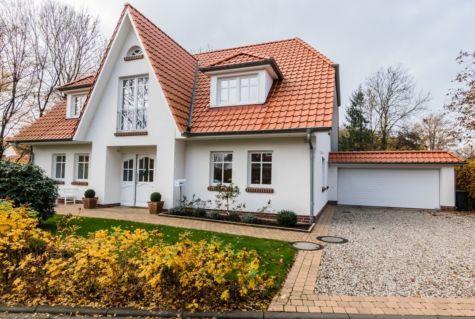 Schöner Wohnen 2.0 – Hochwertiges und individuelles Landhaus mit Doppelgarage!, 27753 Delmenhorst, Einfamilienhaus